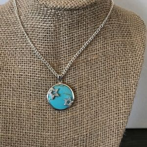 Beautiful necklace!